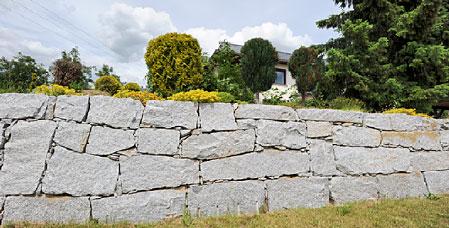 trockenmauer aus lausitzer granit galabau thomas bemmann. Black Bedroom Furniture Sets. Home Design Ideas