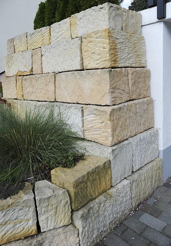 sandsteinmauer-02